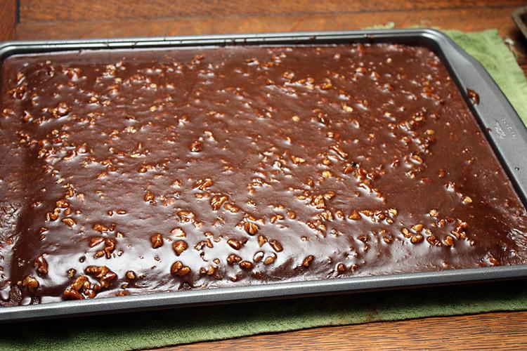 chocolate-sheet-cake